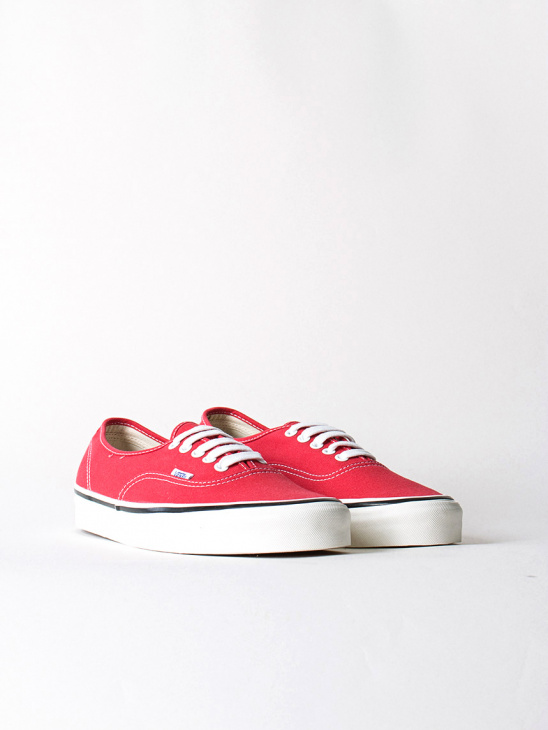 M UA  Authentic 44 DX Racing Red