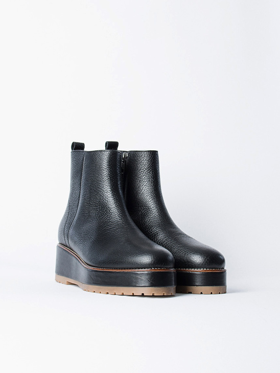 Rugged Zip Boot Grained Black