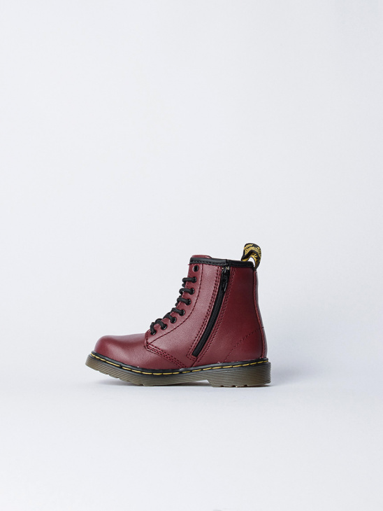APLACE Broklee Cherry - Dr. Martens