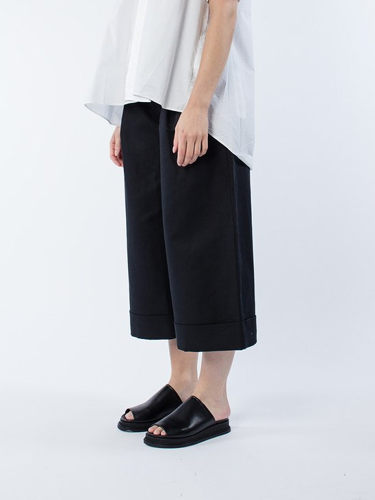 Far Trouser Black