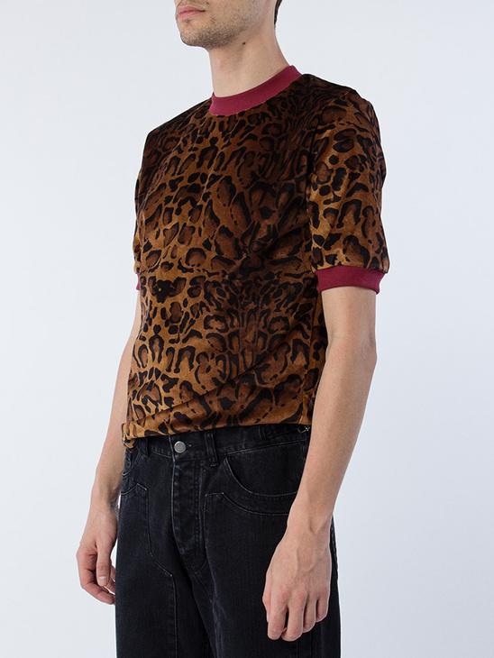 Leo Velvet T-Shirt