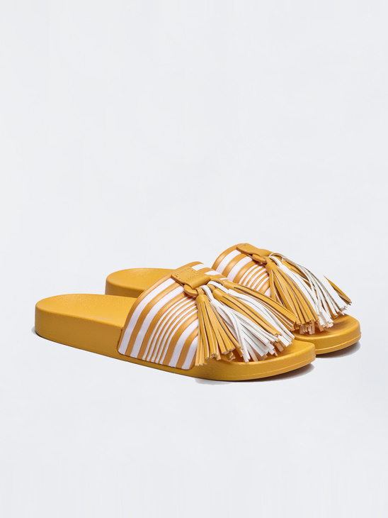 bf4c00e73e1 Sandals - APLACE Fashion Store   Magazine